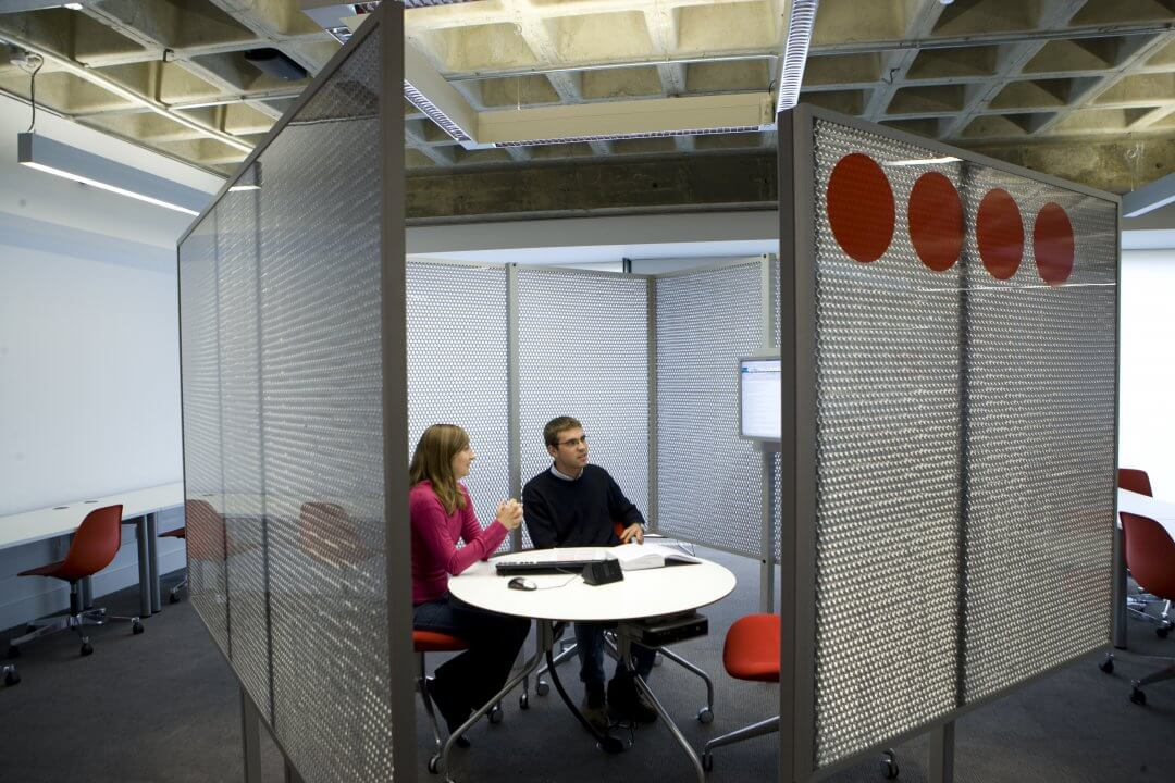 Soundproofing conference rooms with aluminium composite panels