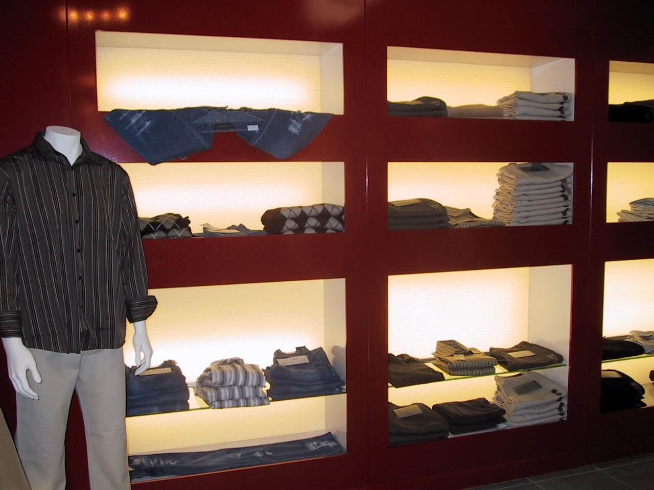 Retail display stands & shop fittings by Mykon